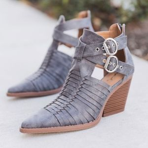 Shoes - PETYON Buckle Bootie - GREY